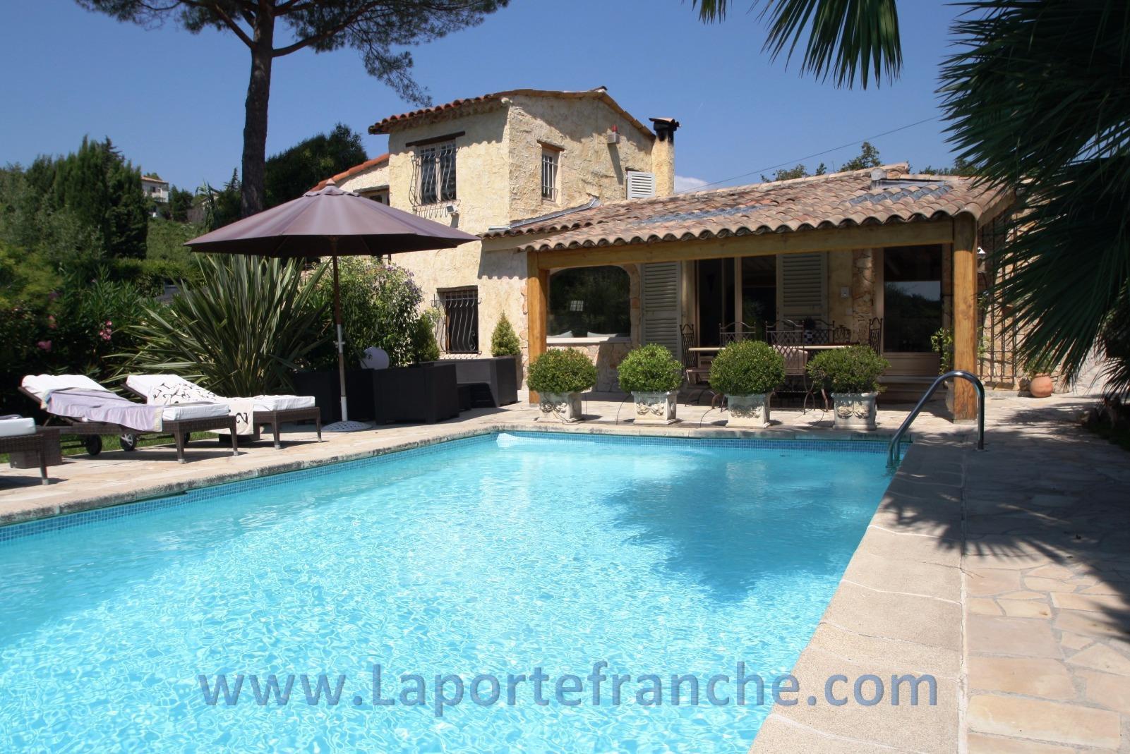 Vente saint paul villa 4p piscine for Saint paul piscine