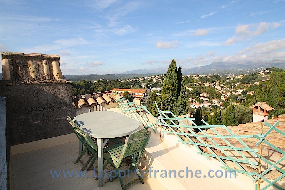 vente haut de cagnes maison 105m2 terrasse sur le toit. Black Bedroom Furniture Sets. Home Design Ideas